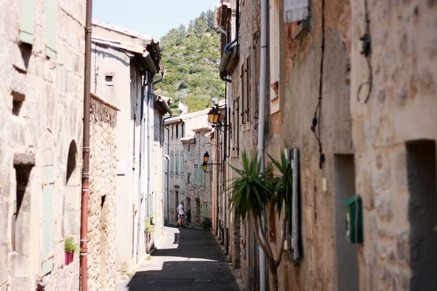 Exploring Lagrasse with Kids - exploring streets of Lagrasse