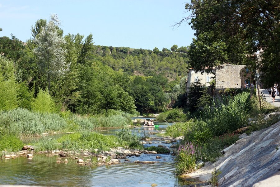 Exploring Lagrasse with Kids - river at Lagrasse