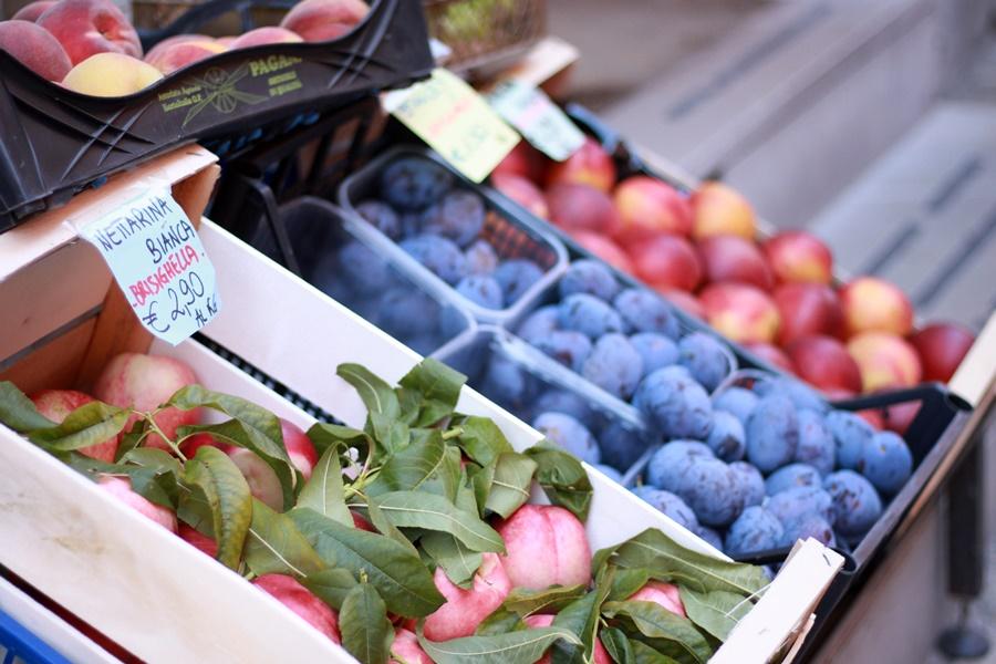 Local fruit - Exploring Brisighella With Kids