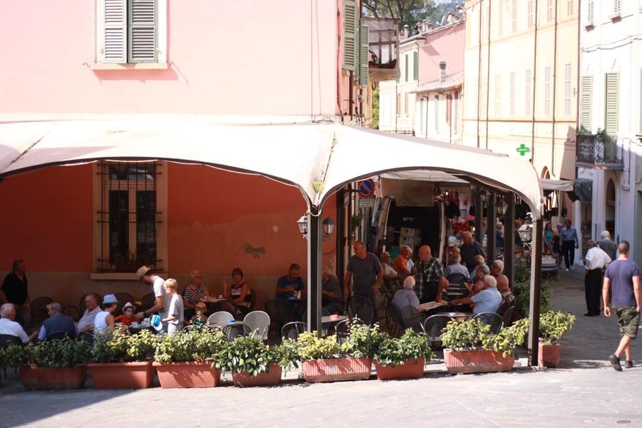 Caffe Aurora - Exploring Brisighella With Kids