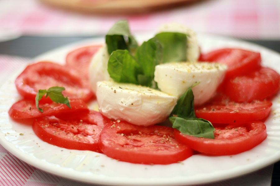 Caprese salad - Exploring Brisighella With Kids