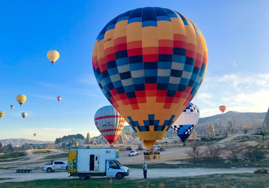 Van life with hot air balloons in Turkey - Fulltime Van Family Exploring Europe